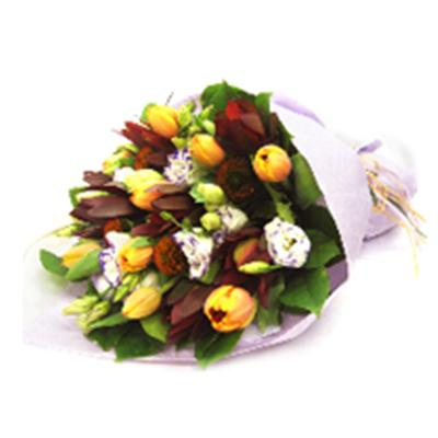Floral arrangement / Hamper